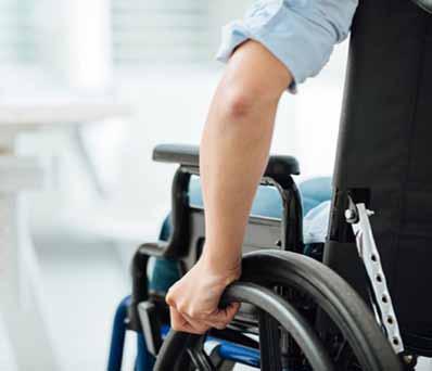 Почему инвалиды не торопятся на работу?