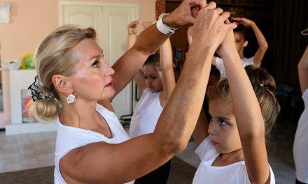 Лилия Запашная учит балету