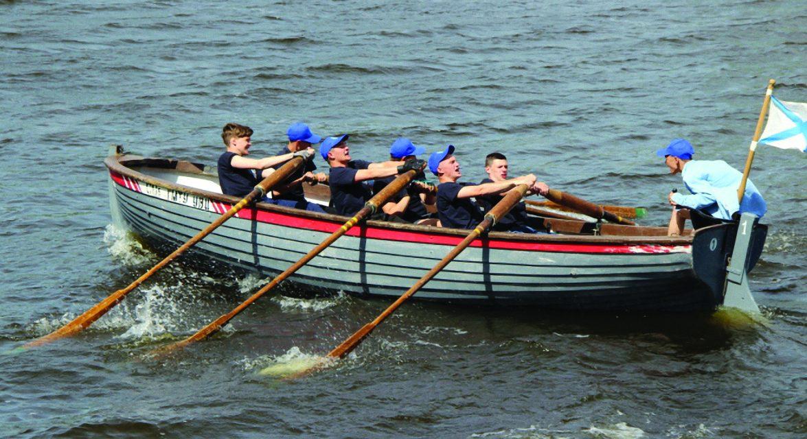 Учите историю на веслах и под парусами