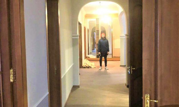 Особым детям подарили тренировочную квартиру
